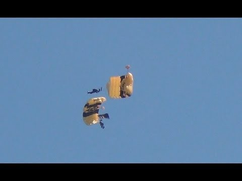 Skydiving Stunts - Loses Parachute - On Collision Course - Formation - US Army Golden Knights