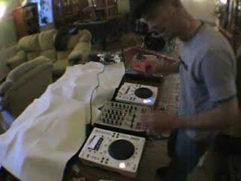 Part ,2 Demo of jog wheel and pitch on a CDJ turntable