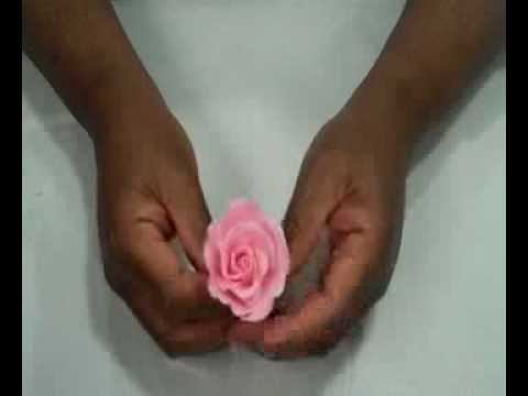Wedding Cake Design: The Classic Rose (Demo by Toba Garrett)