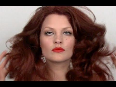SUPERMODEL KAREN ELSON MAKE-UP TUTORIAL