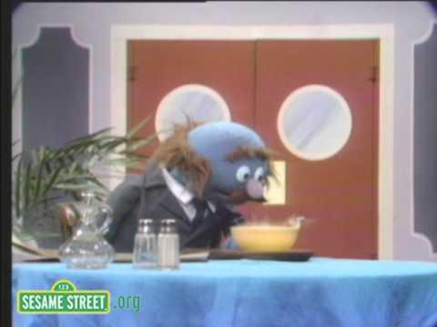 Sesame Street: Grover And Alphabet Soup