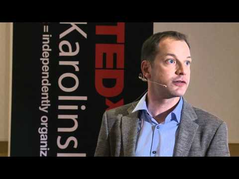 TEDxKarolinskaInstitutet - Carl Savage - Turning tables and fipping pyramids