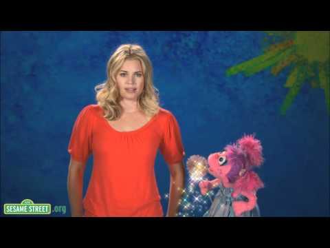 Sesame Street: Rebecca Romijn: Accessories