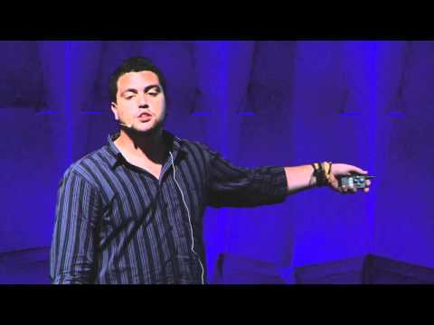 TEDxAmazonia - João Felipe Scarpelini talks about the adult prejudice against the young - Nov.2011