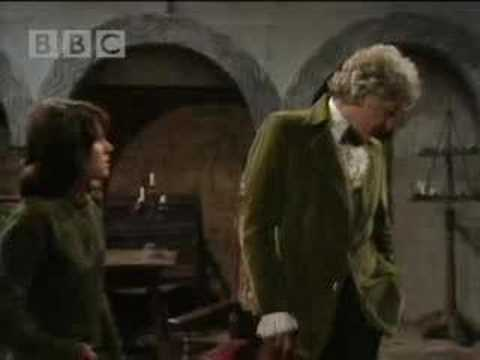 Sarah quizzes the doctor - Dr Who - BBC sci-fi