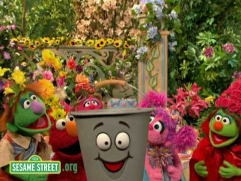 Sesame Street: Fetch a Pail of Water
