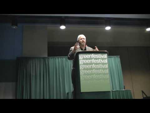 Seattle Mayor Mike Mcginn gives his speech and introduce Adora at Green Festivals