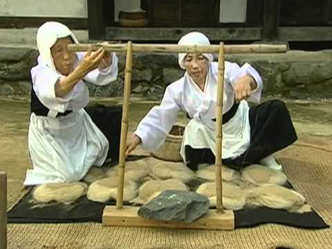 Weaving of Mosi (fine ramie) in the Hansan region