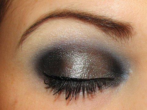 Super dramatic vampy look makeup tutorial