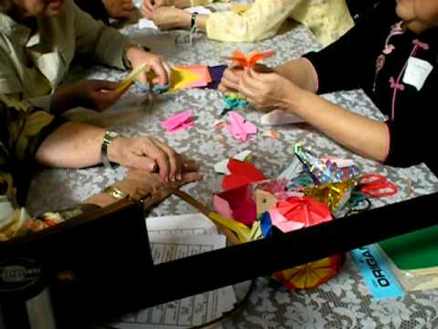 Smithsonian: APAH Chinese Origami paper folding demonstration