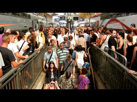 Nice—human traffic jam at the station