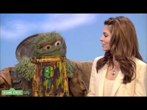 Sesame Street: Maria Menounos: Senses