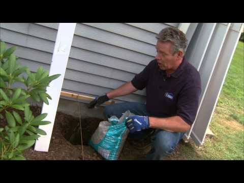 Vinyl Fence Installation Tips: Installing Posts and Panels