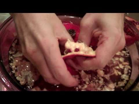 Pomegranate Recipes - Pomegranate Salad - How to Seed a Pomegranate
