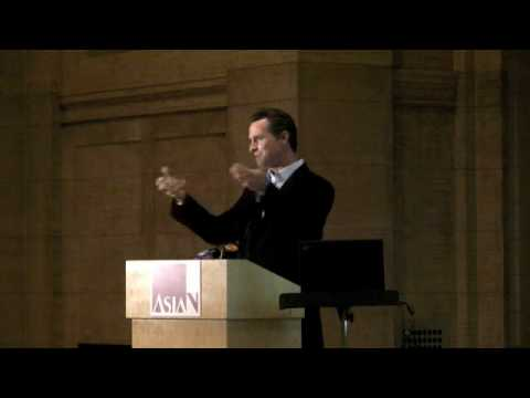 SF Mayor Gavin Newsom Encourages Visits to the Asian Art Museum's Shanghai Exhibition
