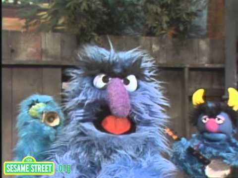 Sesame Street: Herry Sings: Furry Blue Mommy of Mine