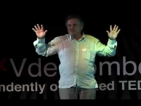 "TEDxVdemomboyU - Eduardo Martí - ""Yo soy Yo y muchos Otros"""