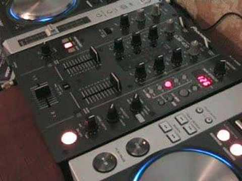 Using an FX on a DJ mixer.