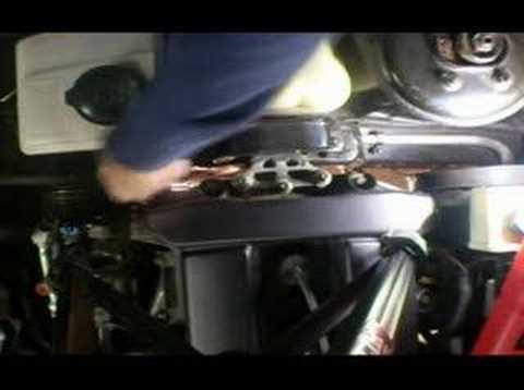 Serpentine Drivebelt Remove & Replace (3)