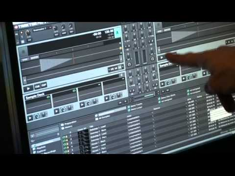 Traktor Kontrol S4 from Native Instruments Video 2