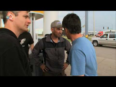 Storm Chasers - Season Premiere - Tornado Hunting