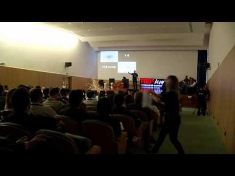 TEDxAveiro - Nuno Terrivel - 18 minutes, 1 Euro, 8000 Km