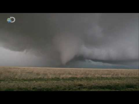Storm Chasers - Bigger in Texas - Gonna Be A Big One