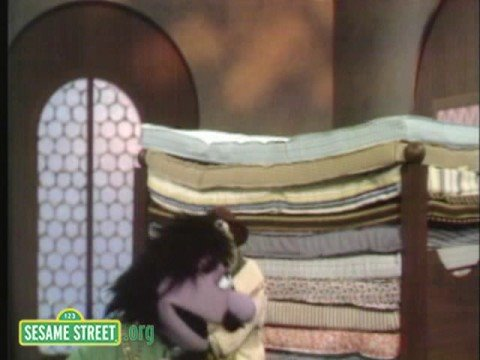 Sesame Street: Kermit Reports News OnThe Princess & Mattress