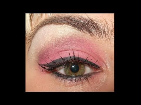 Nicki Minaj Check it out make up look