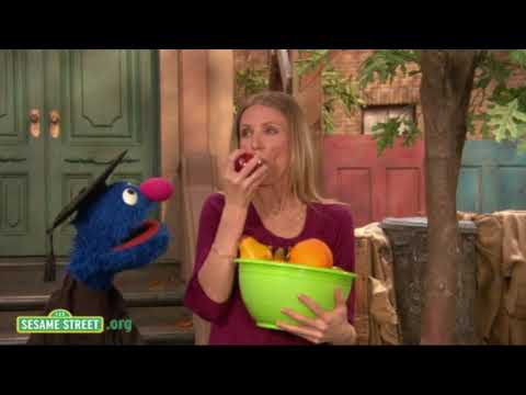 Sesame Street: Cameron Diaz Talks Trees With Grover