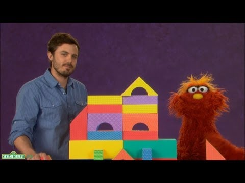 Sesame Street: Casey Affleck and Murray - Careful