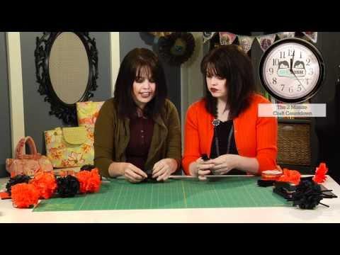 Pom Pom Garland - How to Make a Garland - Halloween Decoration Ideas