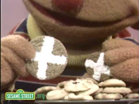 Sesame Street: Ernie Matches Cookies