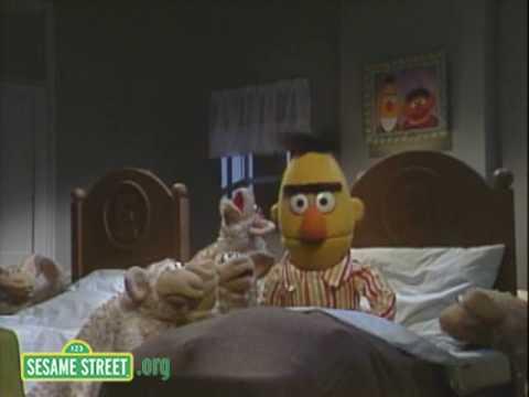 Sesame Street: Bert's Blanket