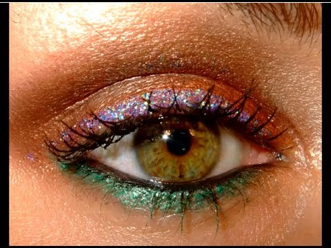 Sizzling beach party make up look