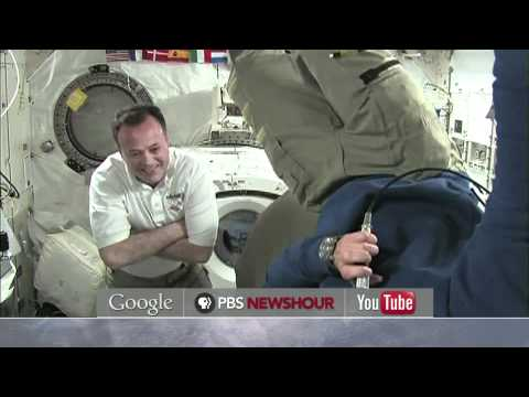 Somersault in Space: Astronauts Try a Zero-Gravity Flip
