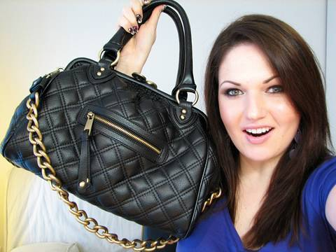 What's in my Purse + CONTEST Win a Purse! *CLOSED*