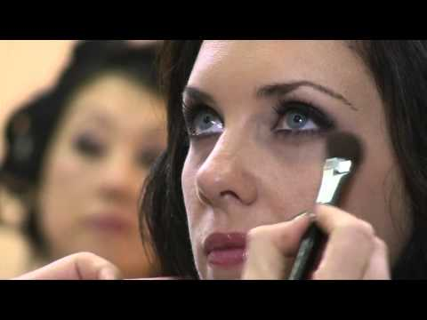 Smokey Eye Makeup - Hair and Makeup with Simona Janek and Sue Bryce