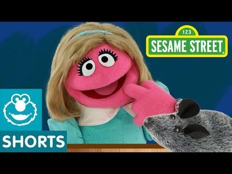 Sesame Street: Haunted House