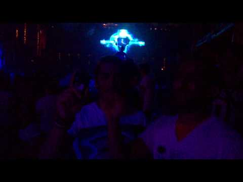 Roger Sanchez in Amnesia Ibiza 2010 Using the Sony Ericsson Vivaz