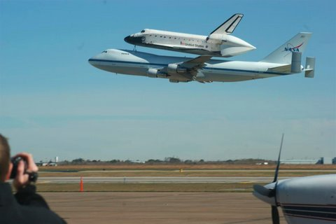 Space Shuttle carried on 747 on low approach, HD