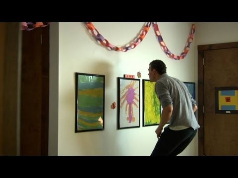 Quick Tips: How to Avoid Scratching the Wall with Picture Frames