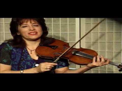 """Violin Lesson - Using the """"Mute"""""""