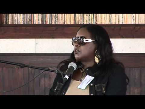 R&B Singer Shirley Jones