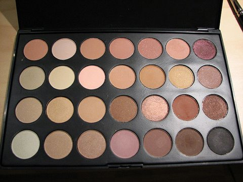 Review: 28 Neutral Palette