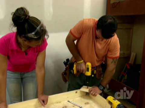 Tiling a Kitchen Table-DIY