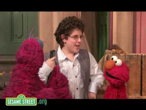 "Sesame Street: Rocco Fiorentino Sings ""Everybody's Song"""