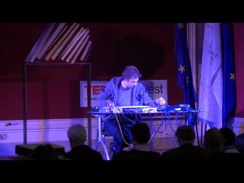TEDxUHowest - Jürgen De Blonde (Köhn) - Intermezzo 2
