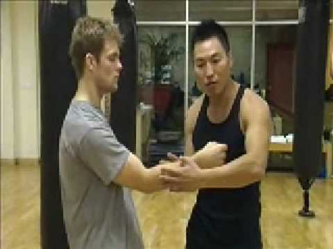 Wing Chun - Forward Triangle (basics) part 1